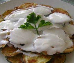 fried-Zucchini-with-Yoghurt