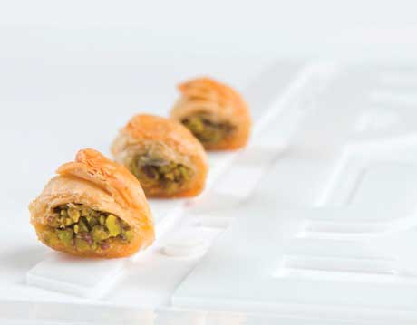 kol w chkor (type of Baklava)